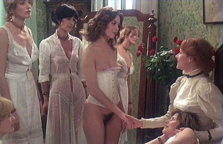 eroticheskiy-film-zamok-ruassi