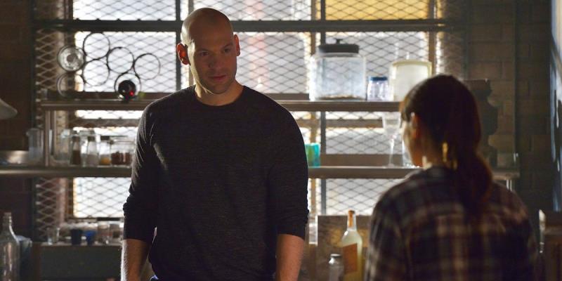 Corey-Stoll-and-Mia-Maestro-as-Eph-and-Nora-in-The-Strain-season-2-episode-12